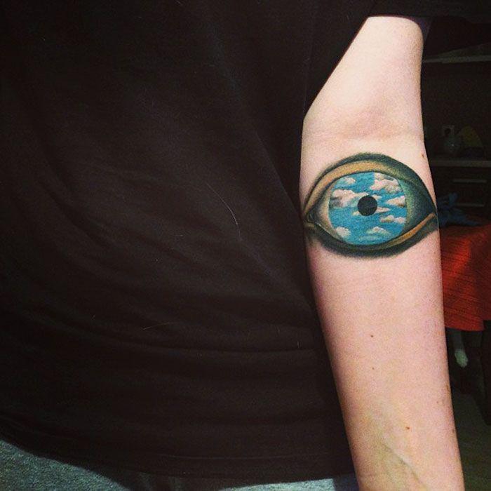 Картины на татуировке. Рене Магритт