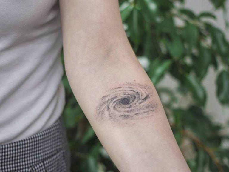 Татуировки про космос