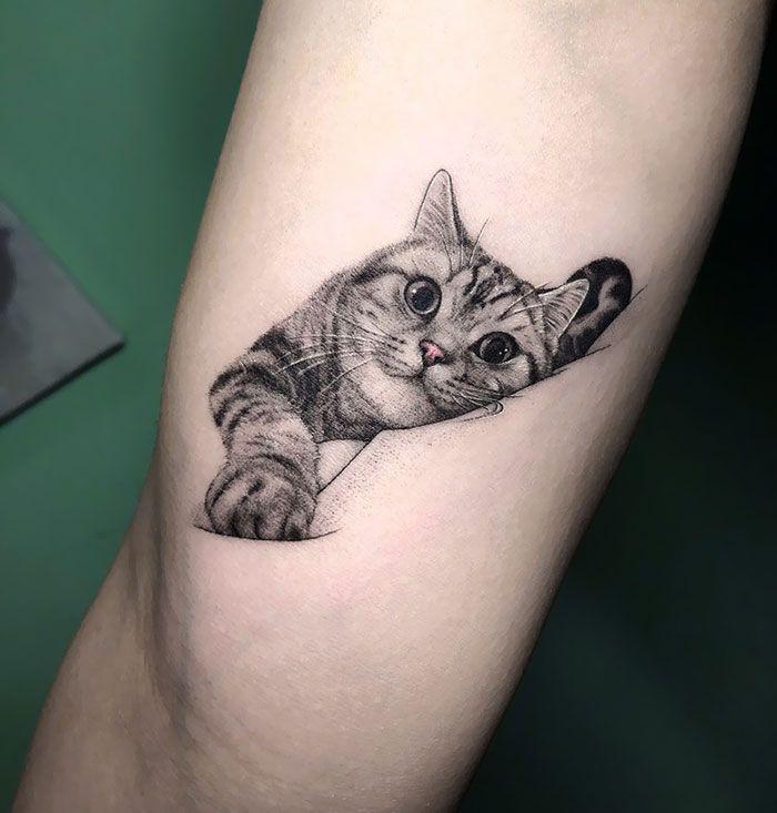 Милая Татуировка с кошкой