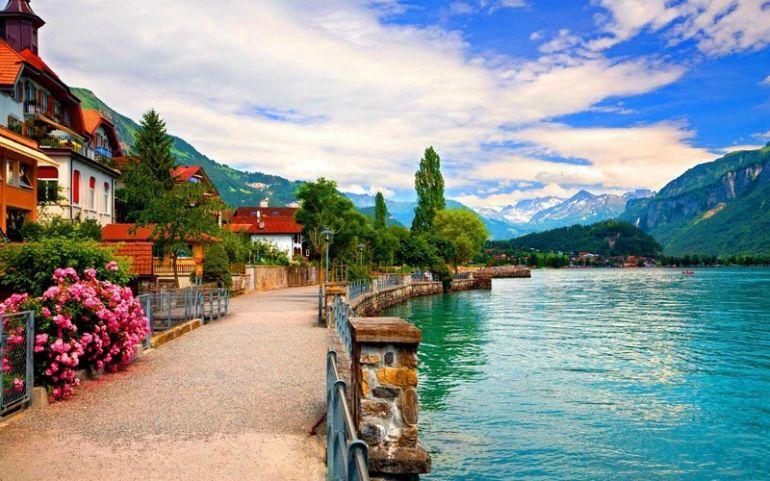Швейцария выходит из карантина: открыли парикмахерские и салоны красоты