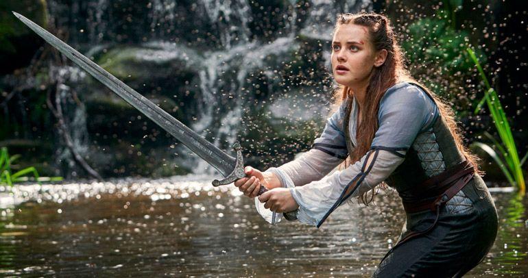 Старая легенда в новых декорациях: стоит ли смотреть сериал Cursed от Netflix