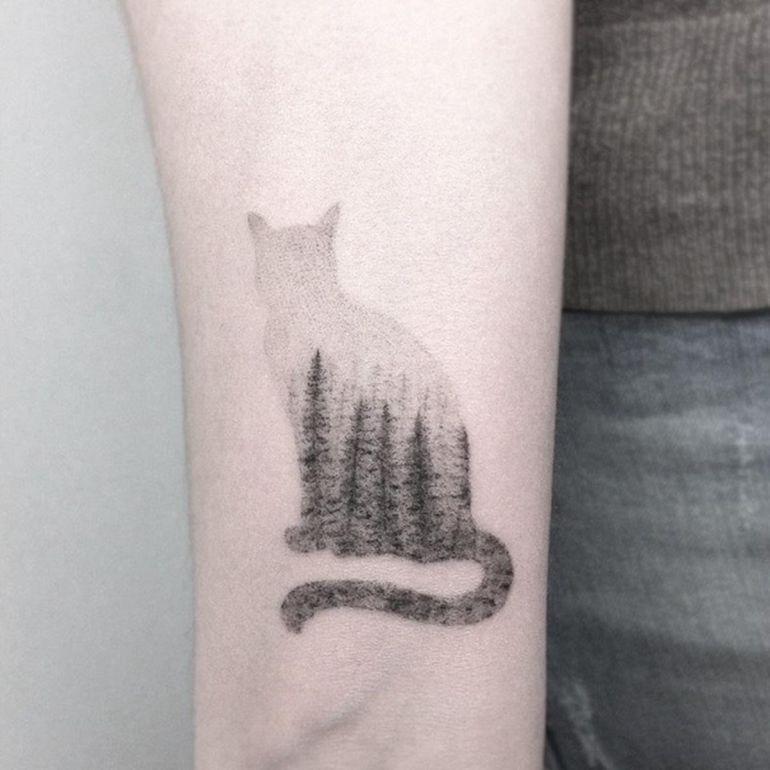 Татуировка с кошкой