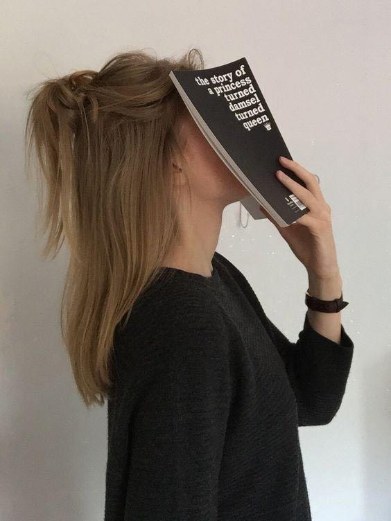 фото с книгой
