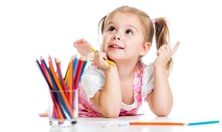 девочка с карандашами. Творчество
