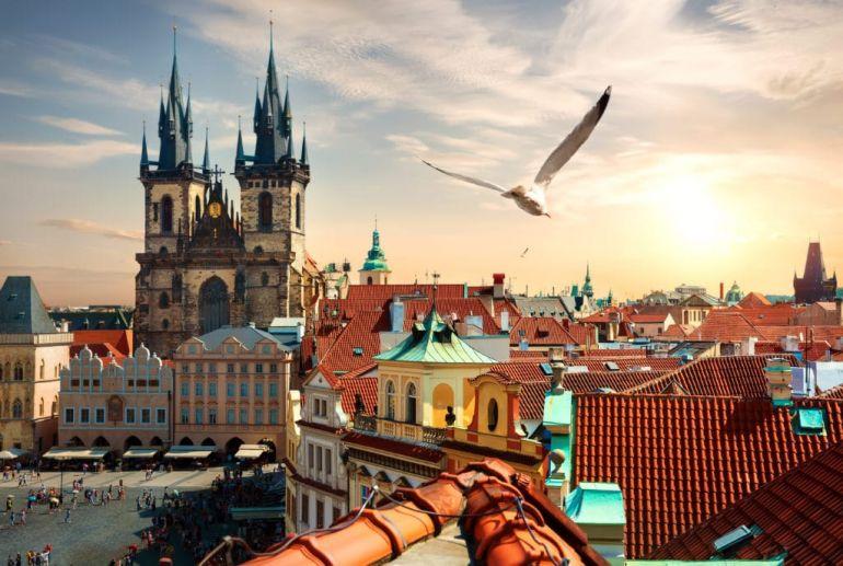 В Чехии вводят чрезвычайное положение из-за COVID-19