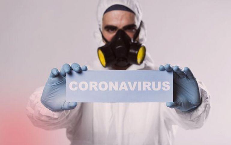 Хроники коронавируса: заболевшая «девушка Бонда», закрытые границы и бордели
