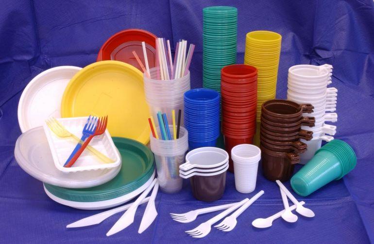 Евросоюз начал жить без одноразовой пластиковой посуды