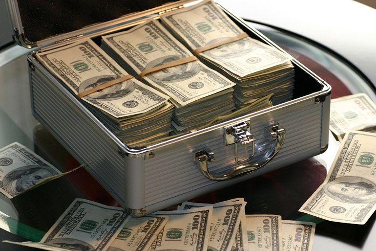 Правят ли деньги нашей жизнью?