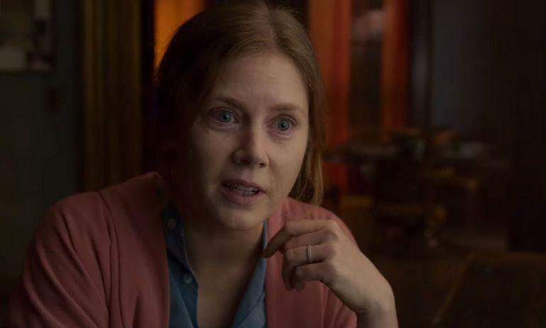 Фильм Женщина в окне. Смотреть дублированный трейлер онлайн